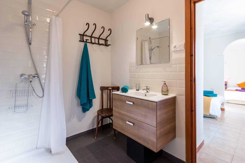 Baño en suite de la habitación cuadruple